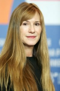 Holly Hunter Bio