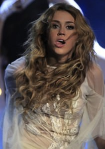 Miley-Cyrus-Tongue-Wetten-Das
